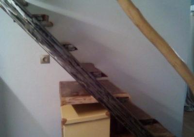 εσωτερική ξύλινη σκάλα