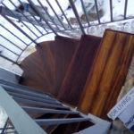εξωτερική σκαλα απο ξυλο