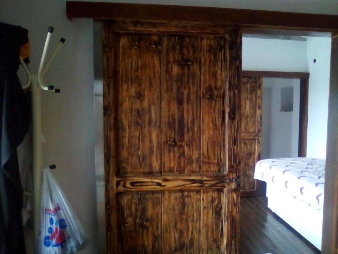 Πεπαλαιωμένες παραδοσιακές ξύλινες κατασκευές