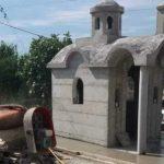 Τσιμεντένιο μεγάλο εκκλησάκι στον Βόλο - Κατασκευή