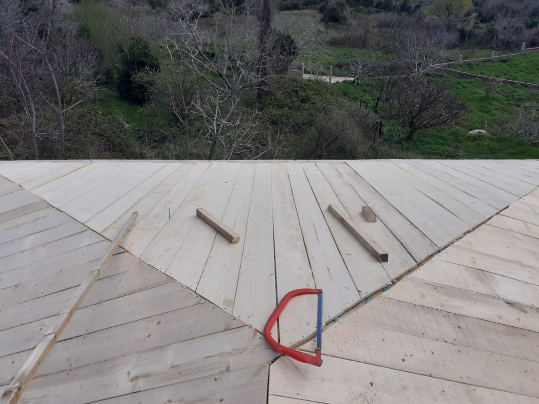 Ανακαίνιση στέγης